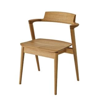 【SEOTO / セオト】背板から肘木、後脚まで一体となったデザインが特徴の個性的なチェア